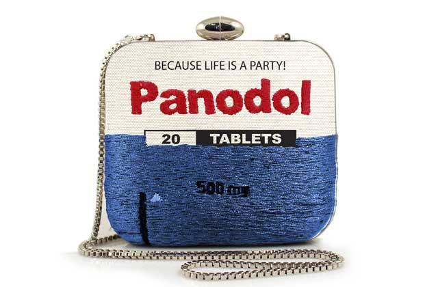 Retail Therapy, colección de bolsos inspirada en medicamentos
