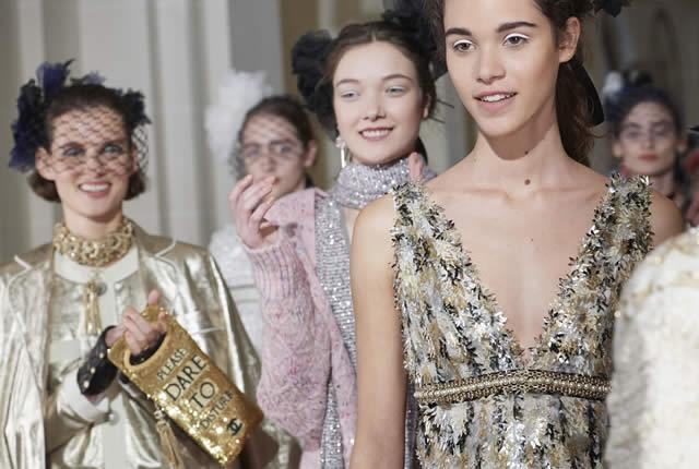 Glamour y detalles en colección Paris Cosmopolita de Chanel
