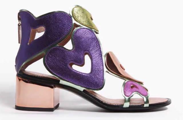 Colección de zapatos con expresiones artísticas