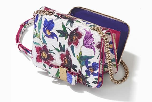 Invasion Floral en zapatos y bolsos Salvatore Ferragamo