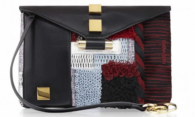 Lanzan bolsos Stuart Weitzman con diseños vanguardistas