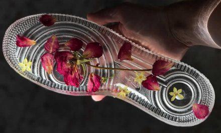 Arte hecho en suelas decoradas a mano