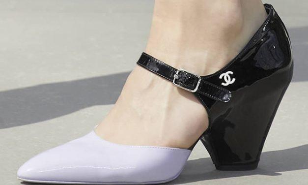 Zapatos Chanel en la portada de Style América