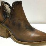 Moda y diseño en zapatos artesanales de Donna Martelo