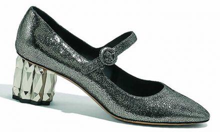 Tacones deslumbrantes en zapatos Reflected de Salvatore Ferragamo