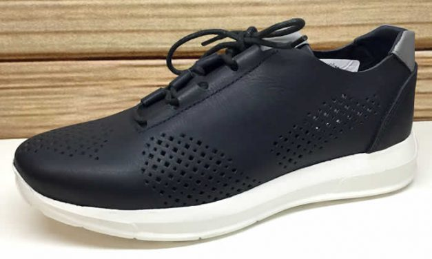 Mocasines y tenis de moda masculinos en colección de Calzado Click