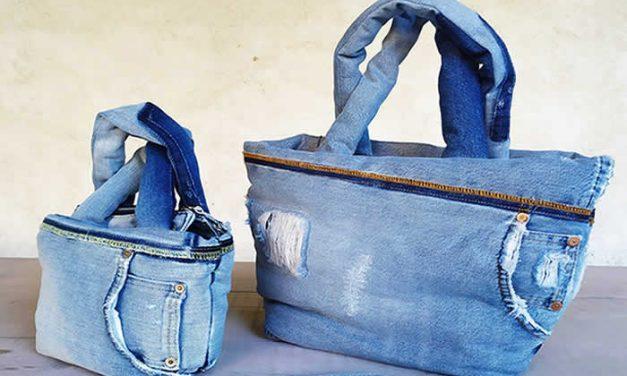 Bolsos fabricados con jeans reciclados