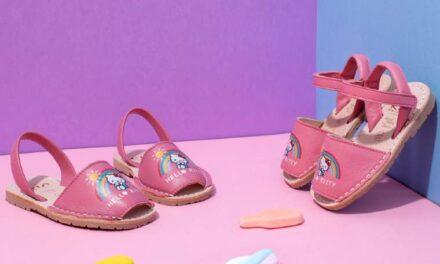 Sandalias para madre e hija con diseños Hello Kitty de Ria Menorca