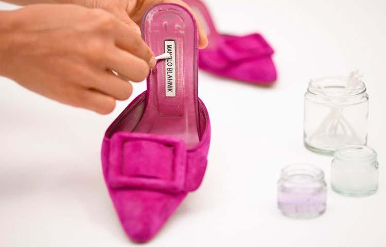 La marca Manolo Blahnik lanza servicio de restauración para sus zapatos